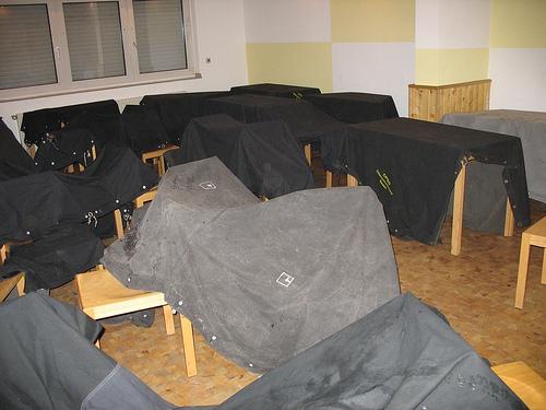 pflege. Black Bedroom Furniture Sets. Home Design Ideas